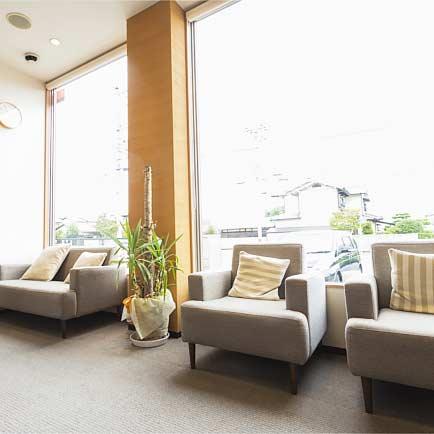 福田歯科クリニック 診療室内を含む写真