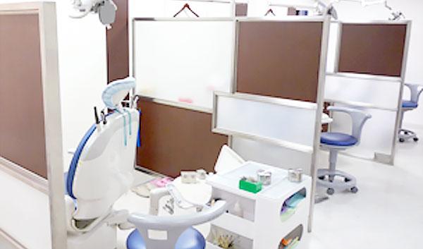 ココセトデンタルクリニック 診療室内を含む写真