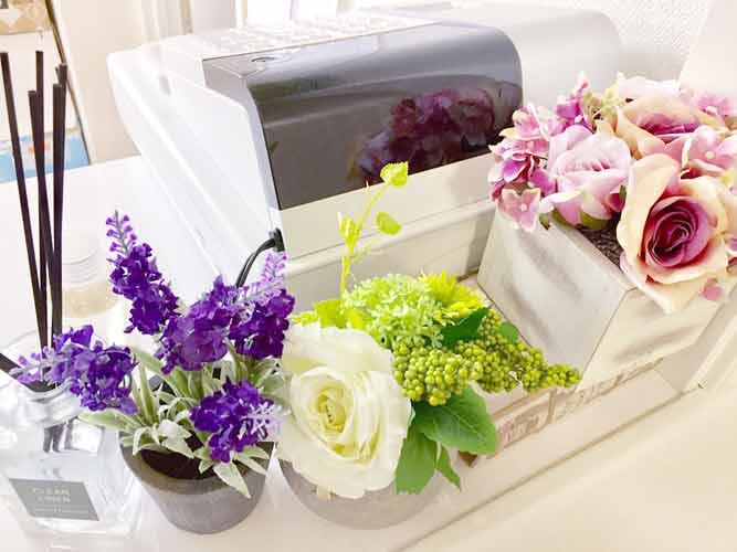 札幌高輪歯科 受付を含む写真