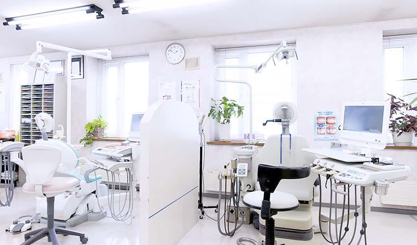 あべ歯科医院 診療室内を含む写真