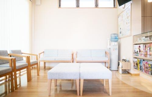とも歯科クリニック 待合室