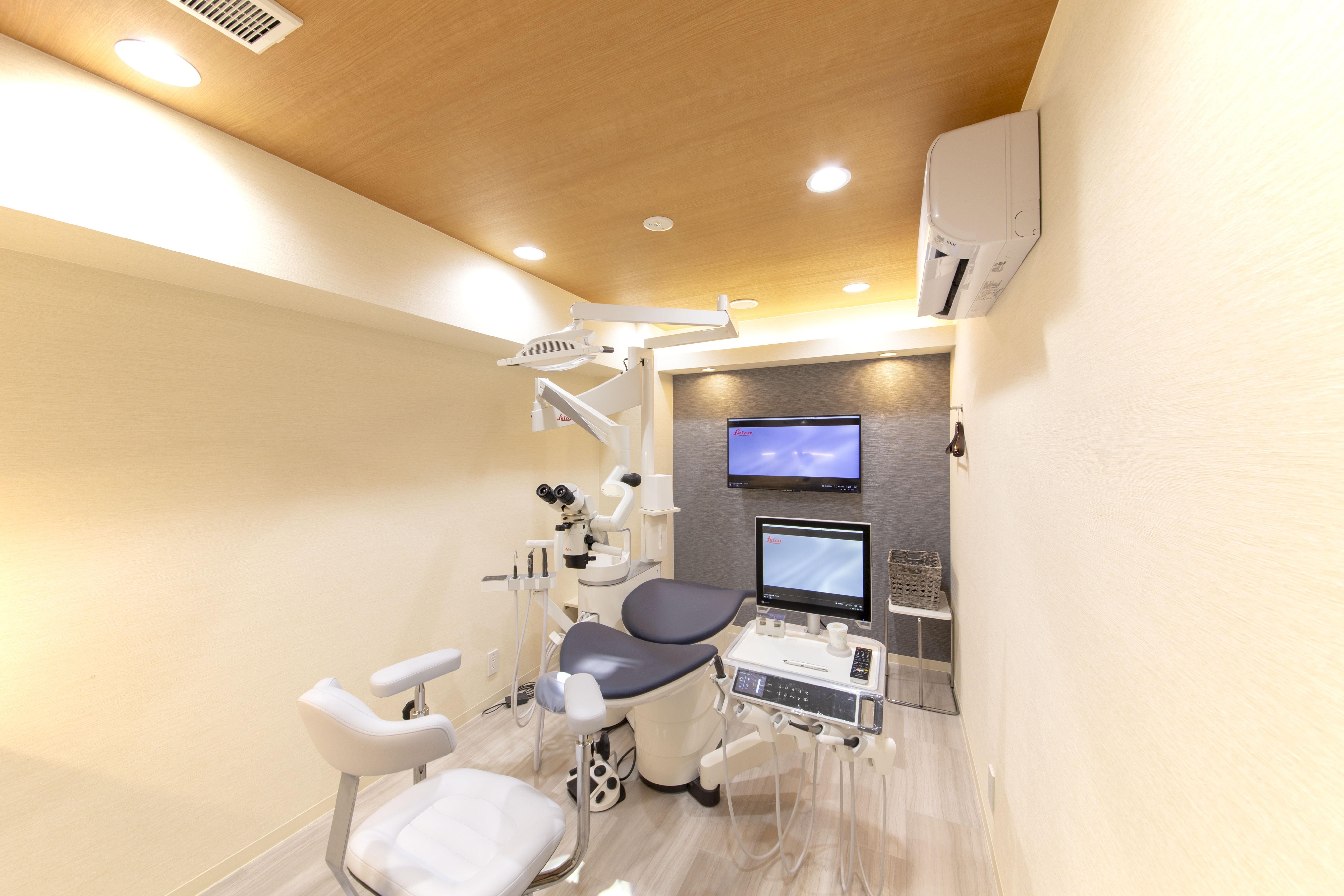 よしみファミリー歯科・矯正歯科 大人用診察室