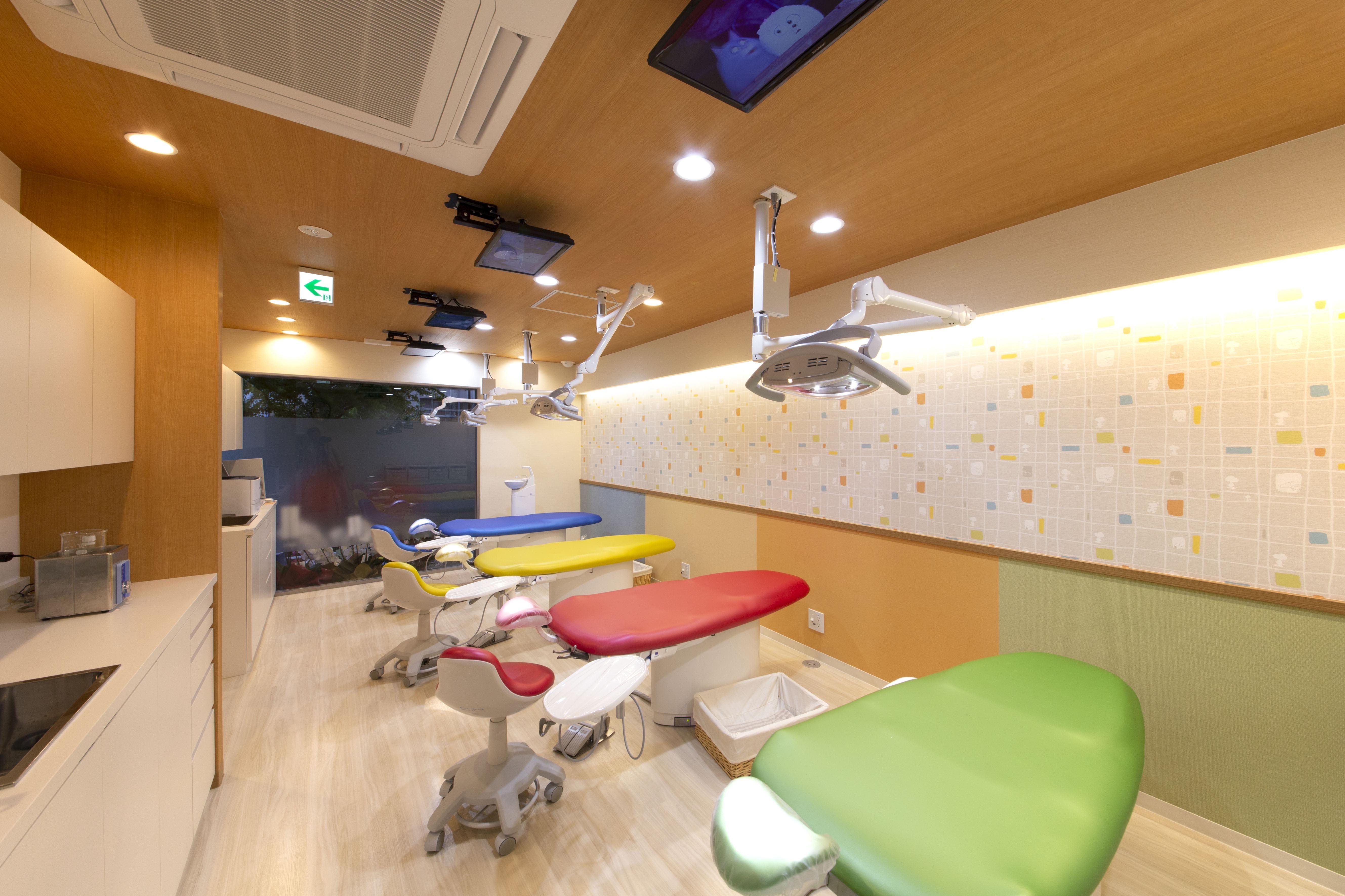 よしみファミリー歯科・矯正歯科 子供用診察室