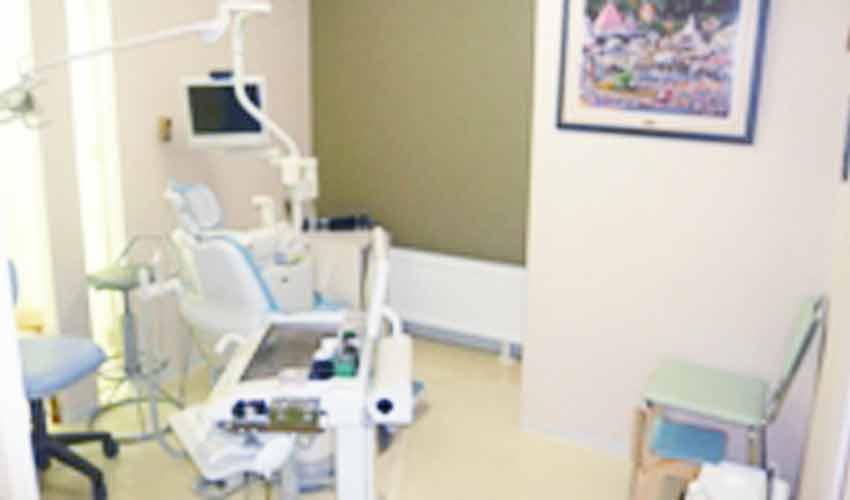 ラポール歯科医院 診療室内を含む写真