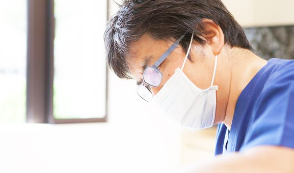 こうの歯科医院 院長の写真