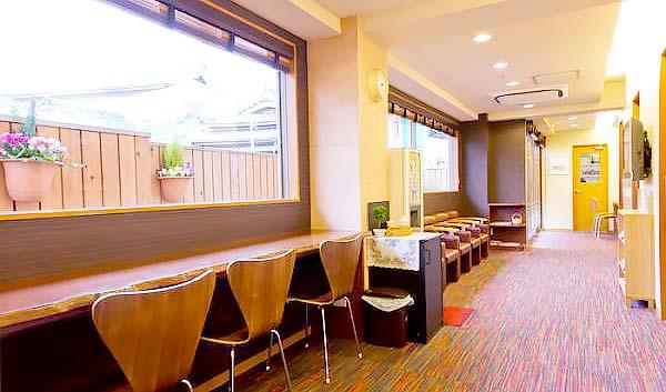 松本歯科医院 診療室内を含む写真