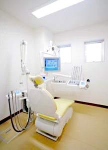 おおの歯科医院 診療室内を含む写真