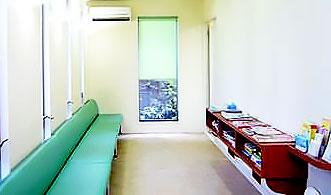 吉野歯科医院 診療室内を含む写真