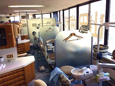 山田歯科医院 診療室内を含む写真