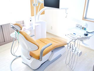 あきら歯科 診療室内を含む写真